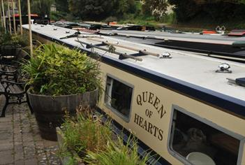 Bath Narrowboats - Queen of Hearts