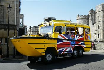 Duck tour around Windsor